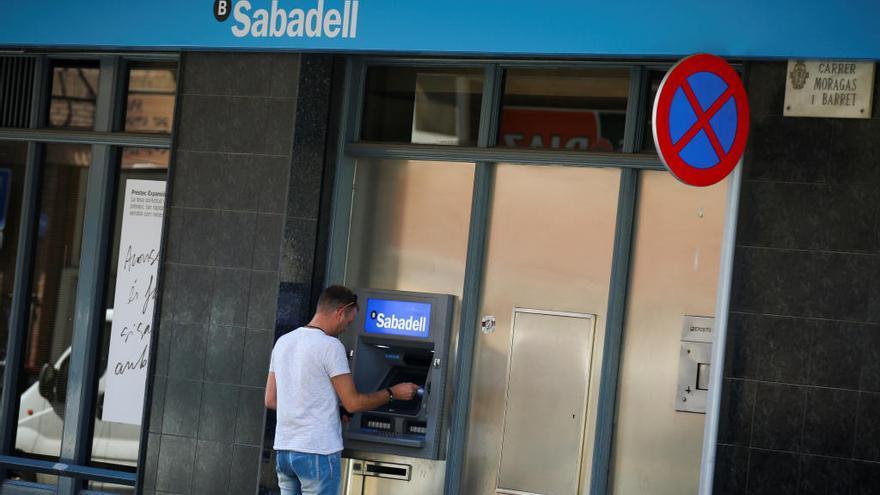 """Los empresarios asturianos, """"encantados"""", con la posibilidad de la llegada del Sabadell"""