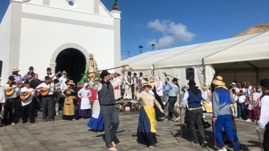 El burro 'Majorero' saluda a la Candelaria