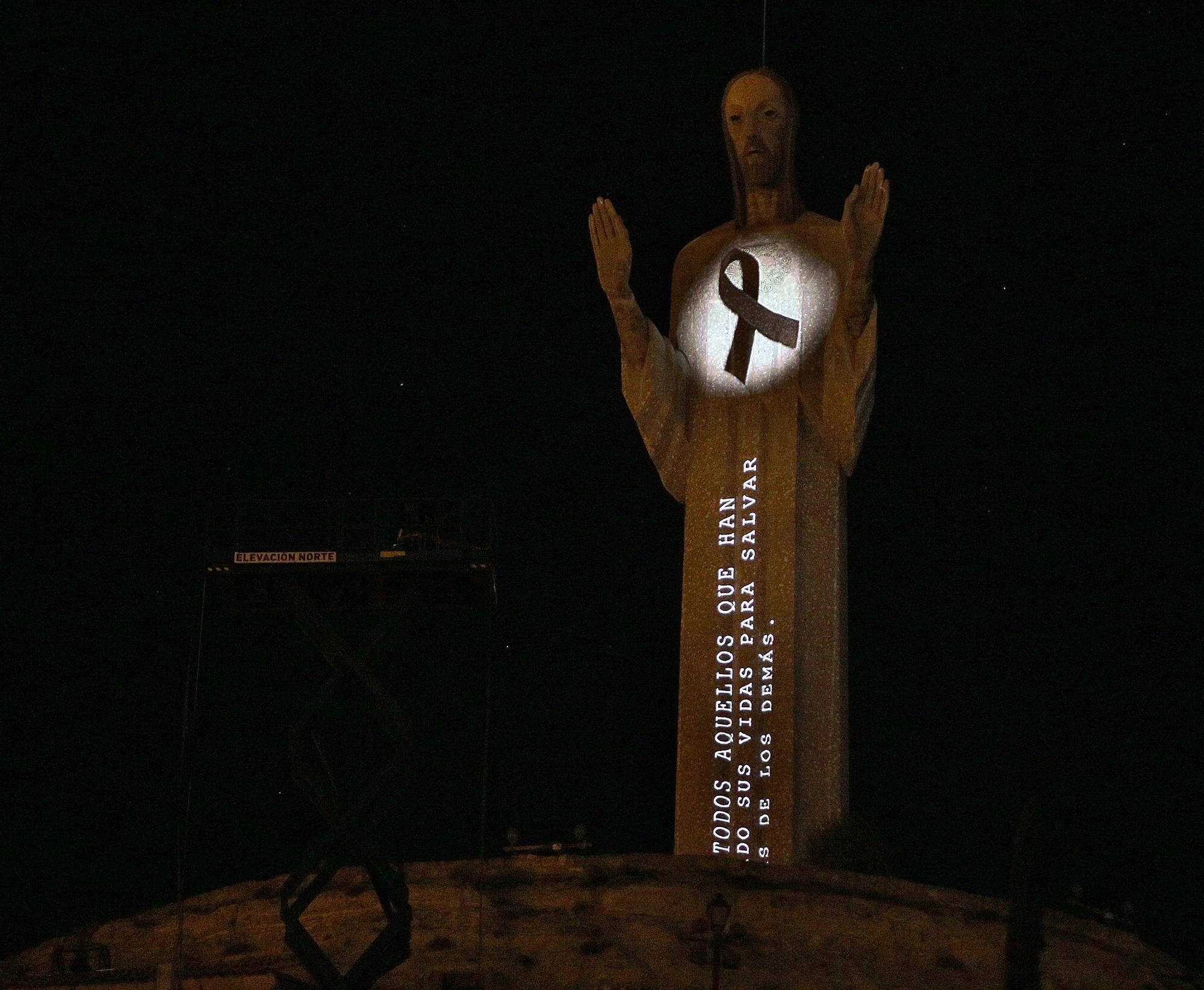 Así fue el espectacular videomapping sobre el Cristo de Otero de Palencia