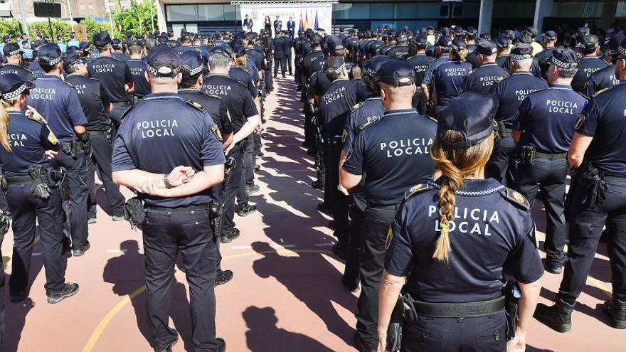 El PP exige que se suban los sueldos a 35 oficiales de la Policía Local de Elche y el equipo de gobierno dice que entra en vigor este mes