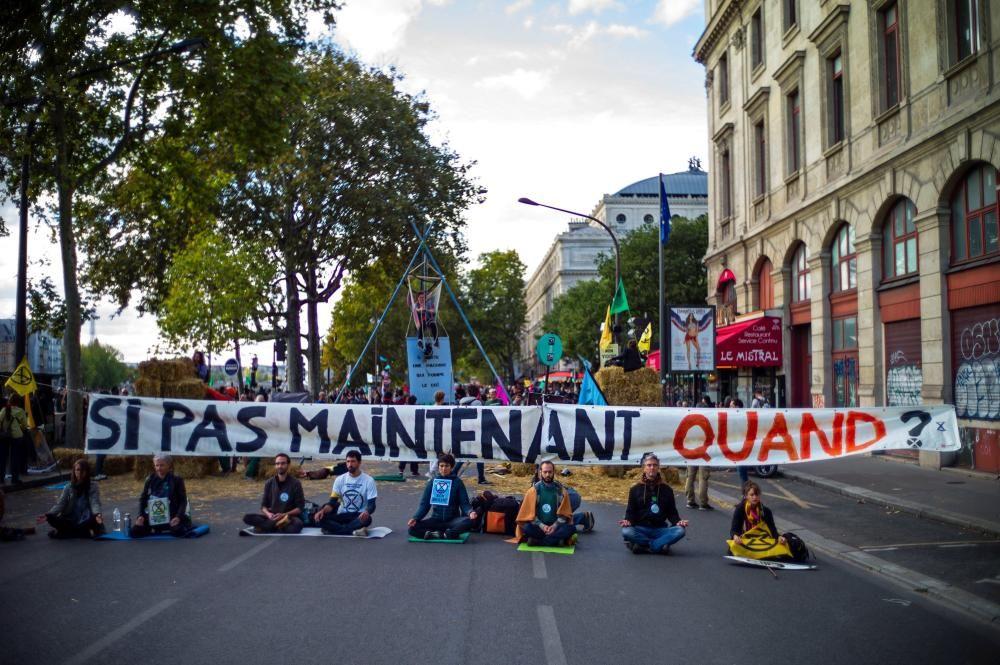 Activistas de varias ciudades del mundo protestan por la inacción climática