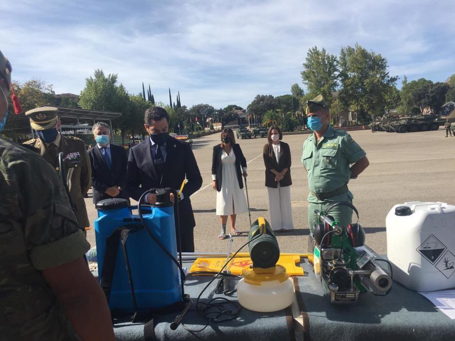 Las imágenes de la visita de Juanma Moreno al acuartelamiento de la Legión en Montejaque