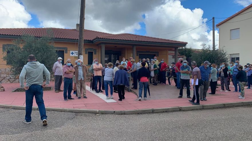 Decimosexta concentración en Litos en defensa de la sanidad pública