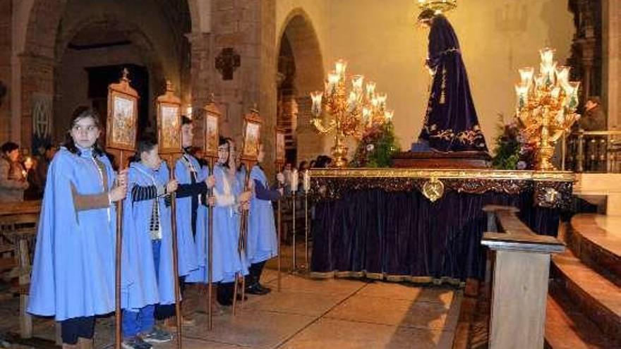 La Cofradía de Jesús Nazareno inicia en la Villa la novena