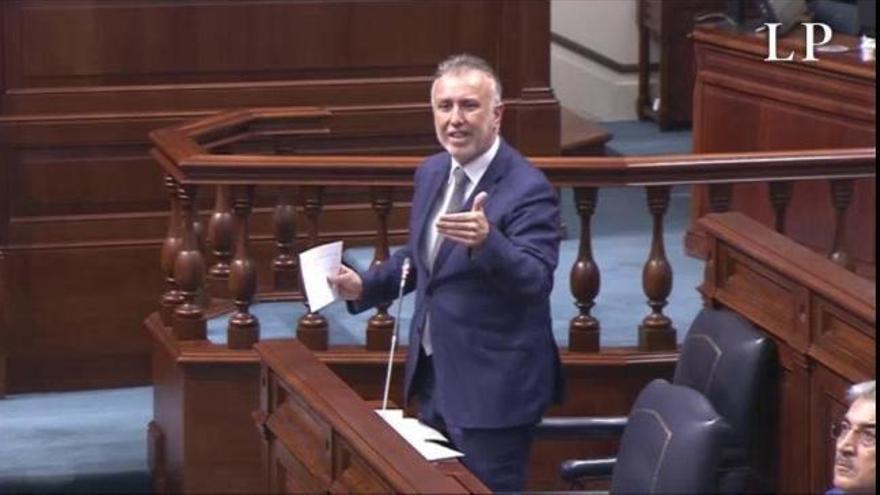 Desescalada en Canarias | Torres responde a distintas cuestiones en el Parlamento