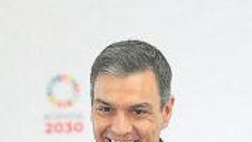 """Sánchez defiende """"amoldar"""" la reforma fiscal a la crisis e """"incentivar"""" la salida de los ERTE"""