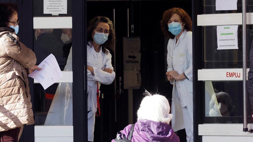 Los médicos de Atención Primaria vieron hasta 55 pacientes de media diaria en la segunda ola del coronavirus