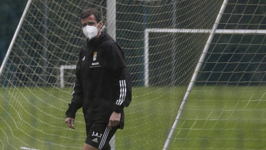 Pasó el tiempo de los experimentos: el Real Oviedo recupera un once mucho más habitual