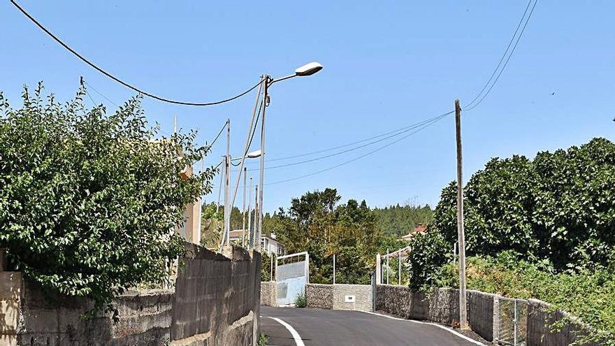 Las principales vías de Las Rosas renuevan su asfalto y la red de agua