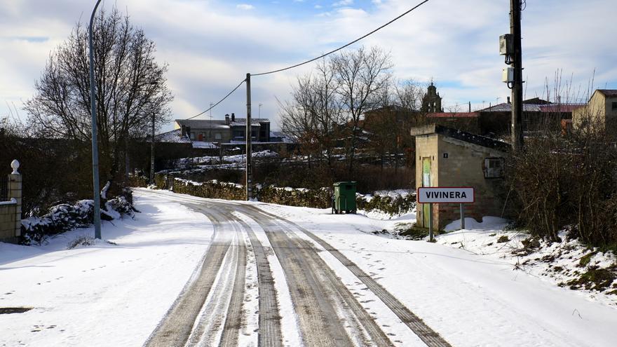 El hierro y el manganeso dejan sin agua potable a los vecinos de Vivinera