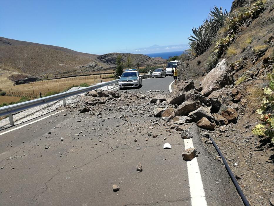 Derrumbe en la carretera del Valle de Agaete