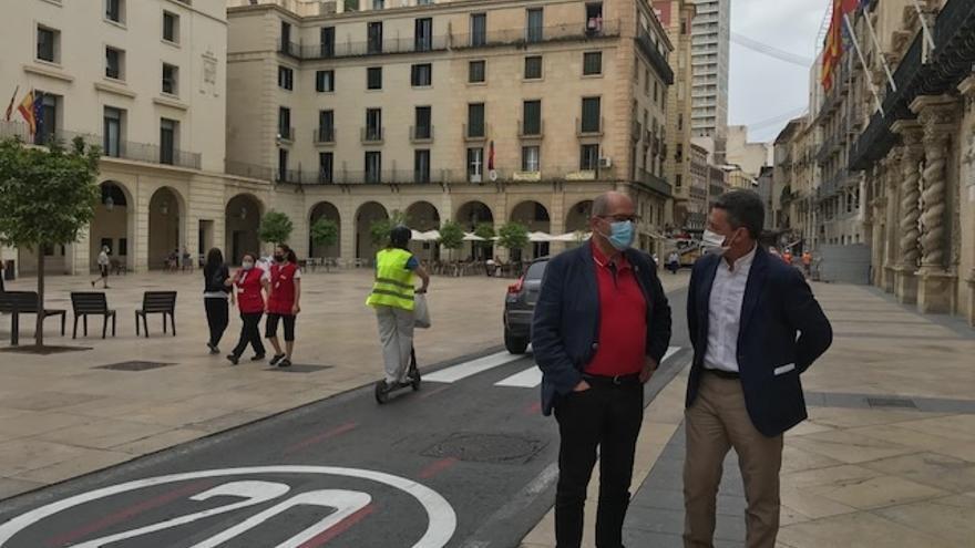 Alicante reduce a 20 kilómetros hora la velocidad en cuatro zonas para dar prioridad al peatón