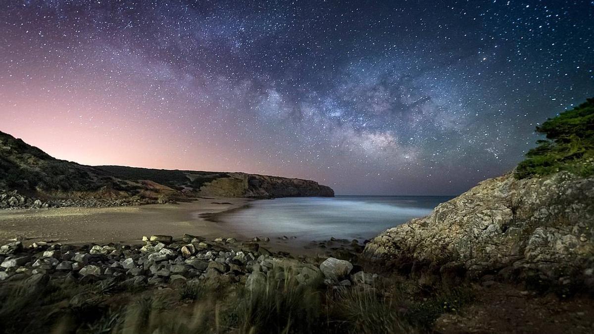 El cielo nocturno desde Praia do Zavia.