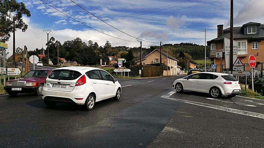 Vecinos de Irixoa urgen respuesta a sus demandas de mejoras viarias
