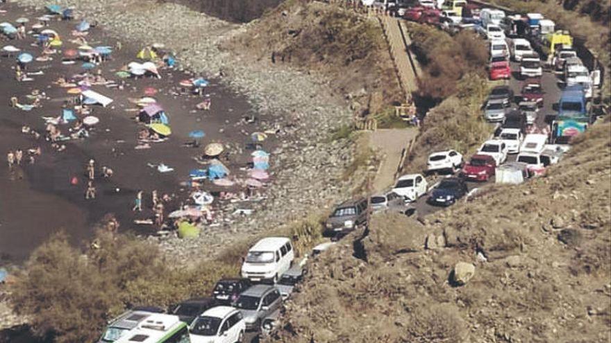 Tres playas de Santa Cruz, cerradas por alta ocupación