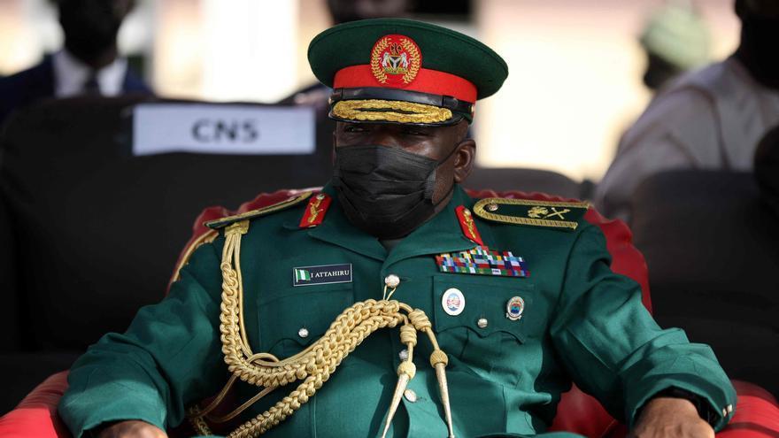 Un accidente aéreo deja doce muertos, entre ellos el jefe del Ejército en Nigeria