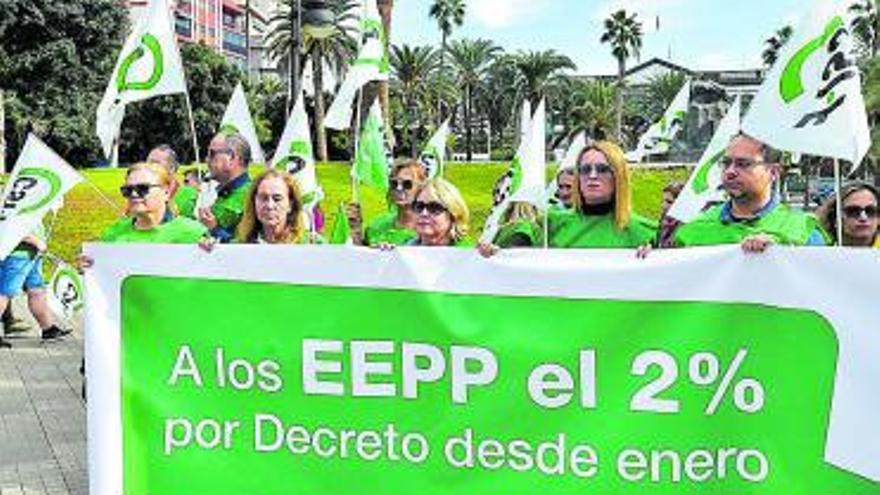 Ayuntamientos y cabildos aumentaron las plantillas en 2020 pese a la pandemia