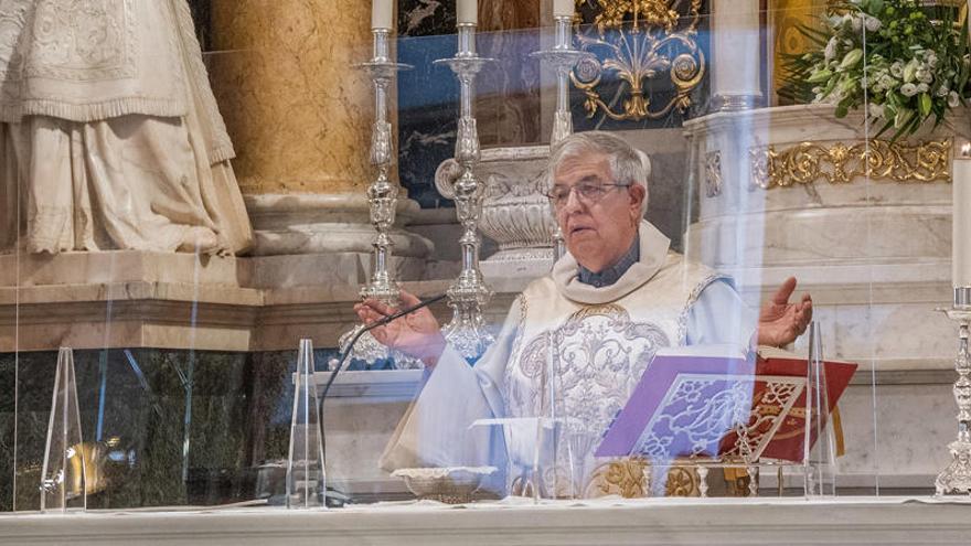 La Basílica instala mamparas de seguridad en el altar