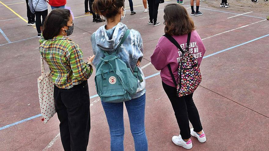 La llegada al instituto y empezar a trabajar, claves para abandonar el gallego