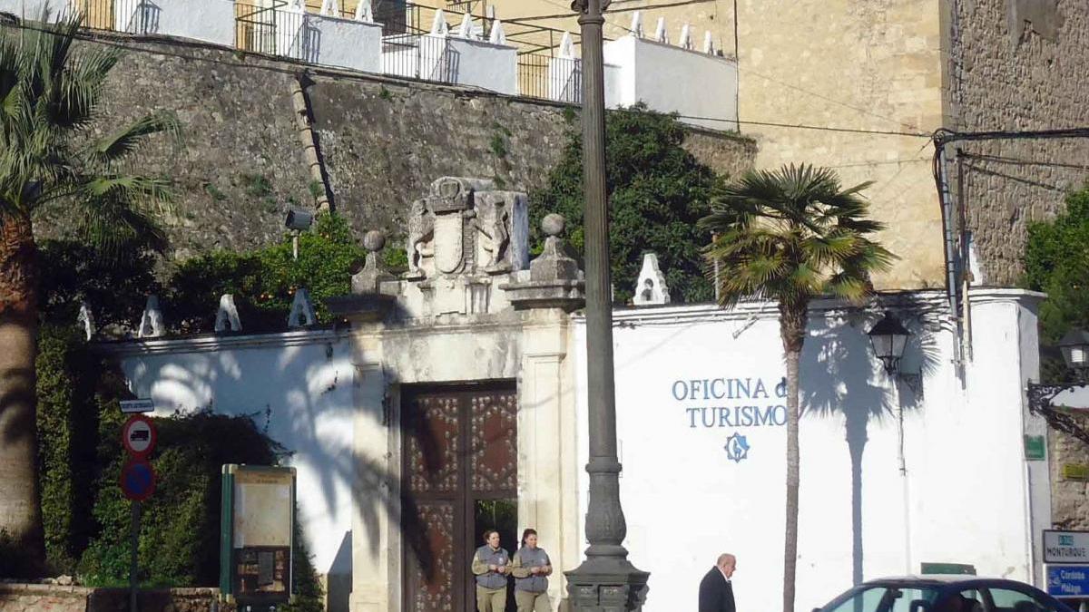 El Ayuntamiento de Cabra abre una ventanilla única para obtener el distintivo 'Andalucía Segura'