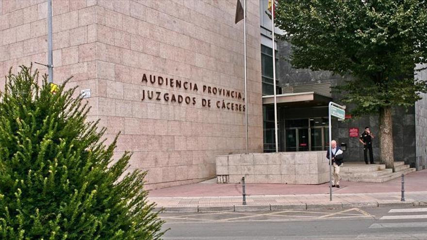Declaran improcedente el despido de empleada de Cáceres que no pudo regresar a España en el primer confinamiento