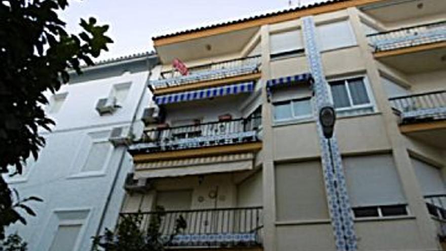 42.000 € Venta de piso en Cabra, 3 habitaciones, 1 baño...
