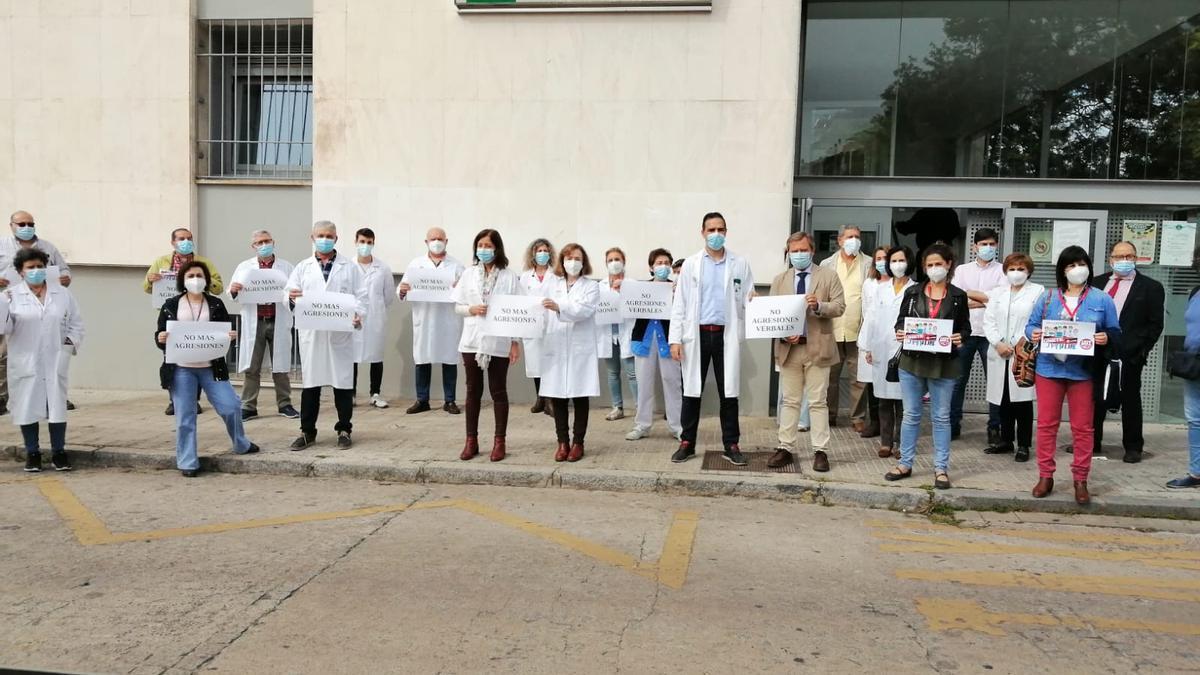 Concentración de profesionales en el centro de salud Córdoba Centro.