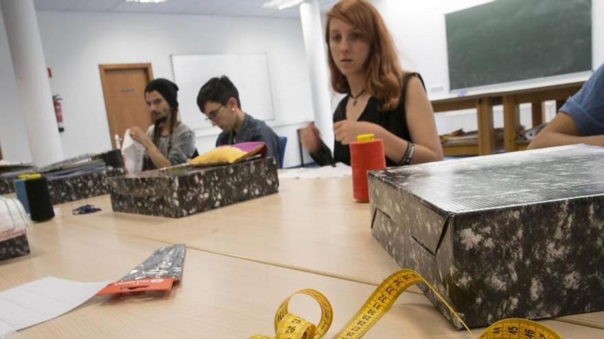 Oviedo fabricará mascarillas en La Corredoria