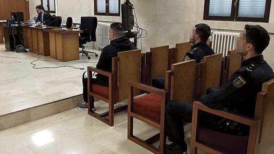 Condenado a 12 años por incendiar una casa y dejar atrapados a tres moradores