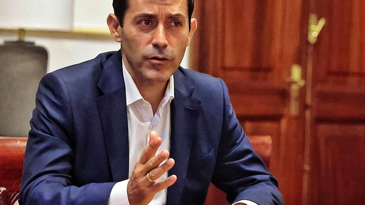 Juan José Martínez, concejal de Hacienda en el Ayuntamiento de Santa Cruz.     MARÍA PISACA
