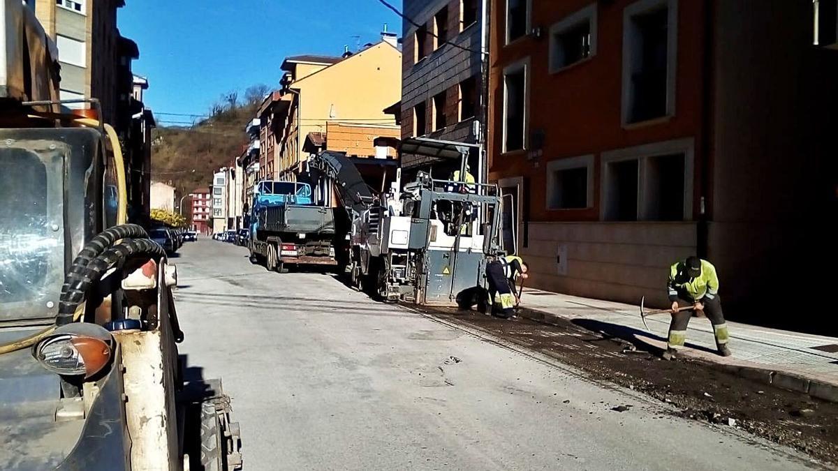 Mejora en el asfaltado de Cabañaquinta   L. CAMPORRO
