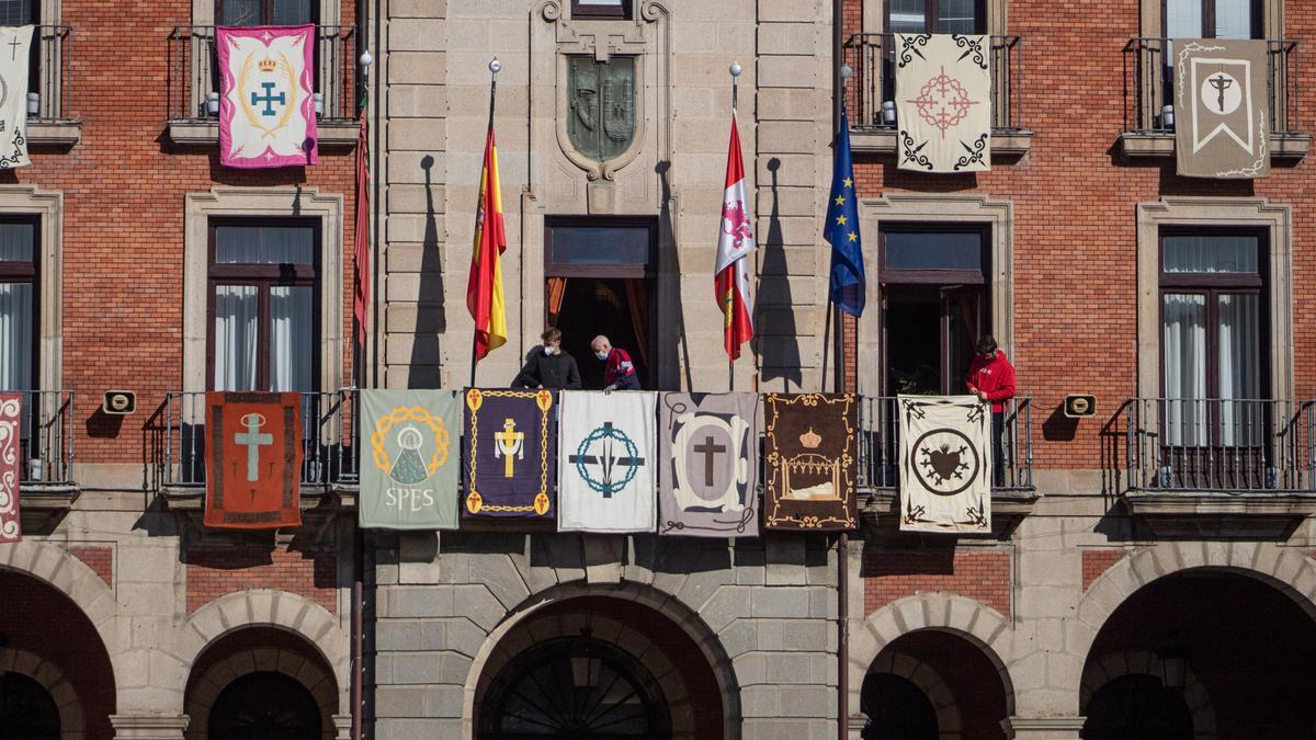 Colocación de los reposteros en Zamora.
