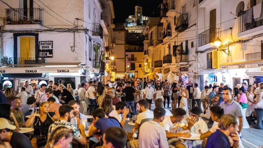 Las reuniones nocturnas en Ibiza vuelven a estar permitidas
