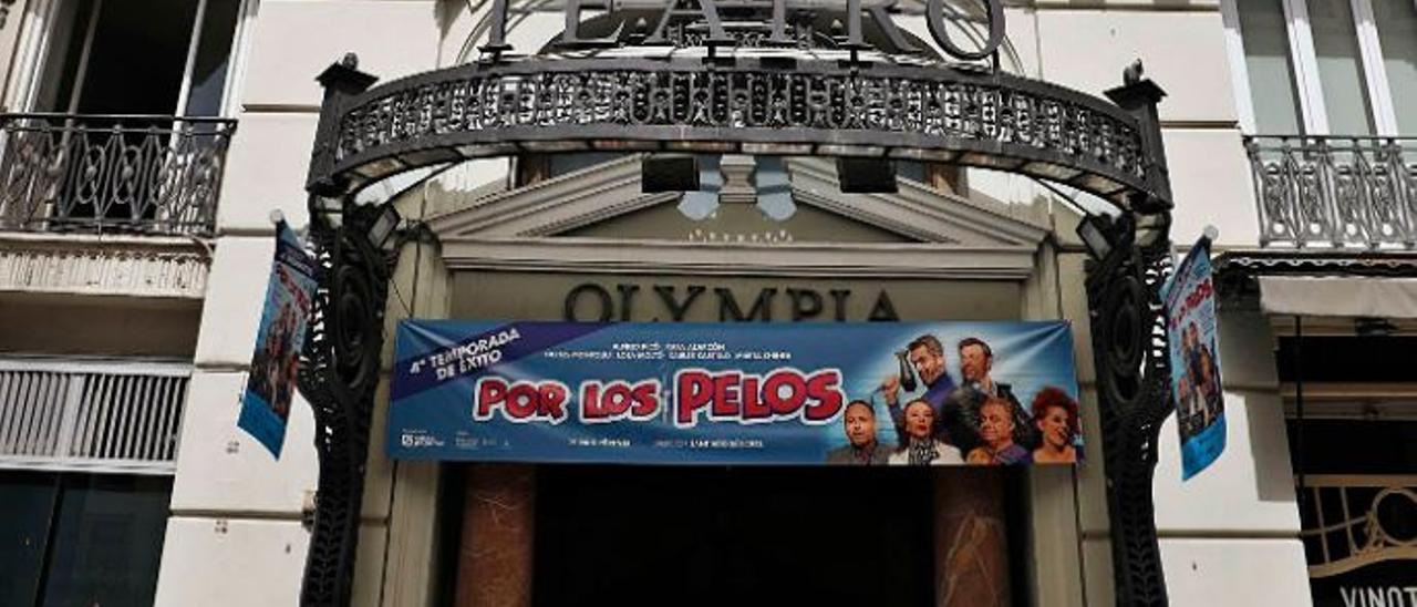 Fachada del centenario Teatro Olympia, en la calle San Vicente | M.A.MONTESINOS
