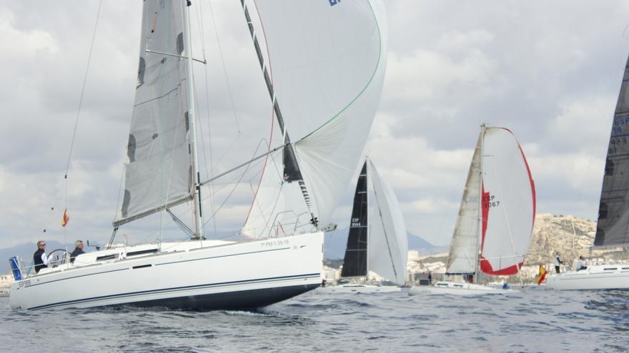 El Club de Regatas organiza el sábado su Trofeo Hogueras en el marco de The Ocean Race Europe
