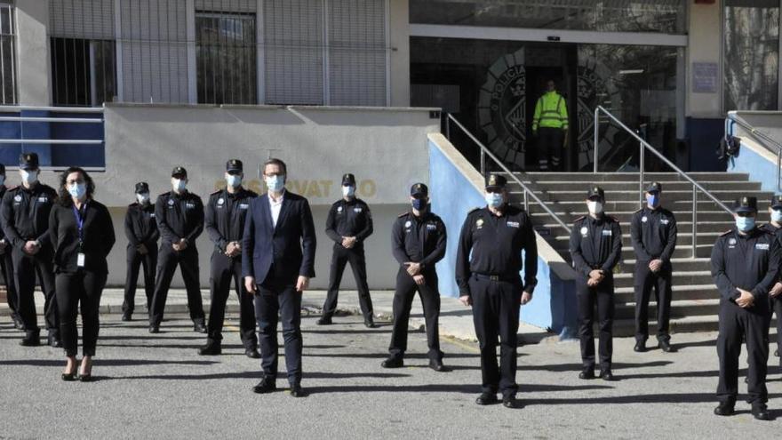 Lauter bekannte Gesichter bei regelwidriger Polizeiparty