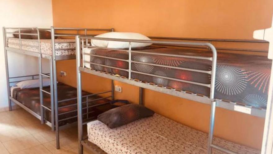 85 euros al día por una cama en una habitación compartida en Ibiza