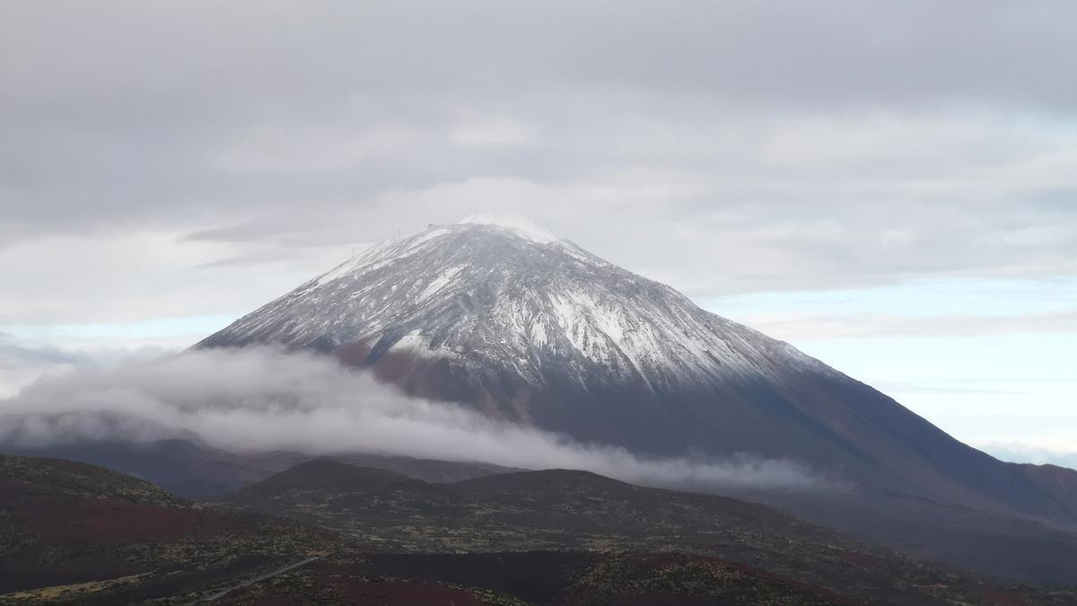 Imagen del Teide nevado.