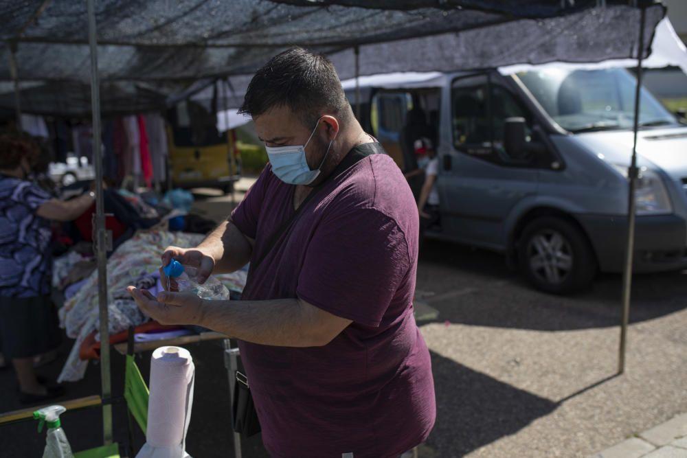 Mercadillo de la nueva normalidad en Zamora