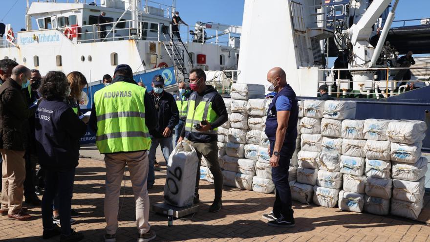 """Dos vilagarcianos detenidos en un """"macroalijo"""" de 5 toneladas de cocaína en el Atlántico"""