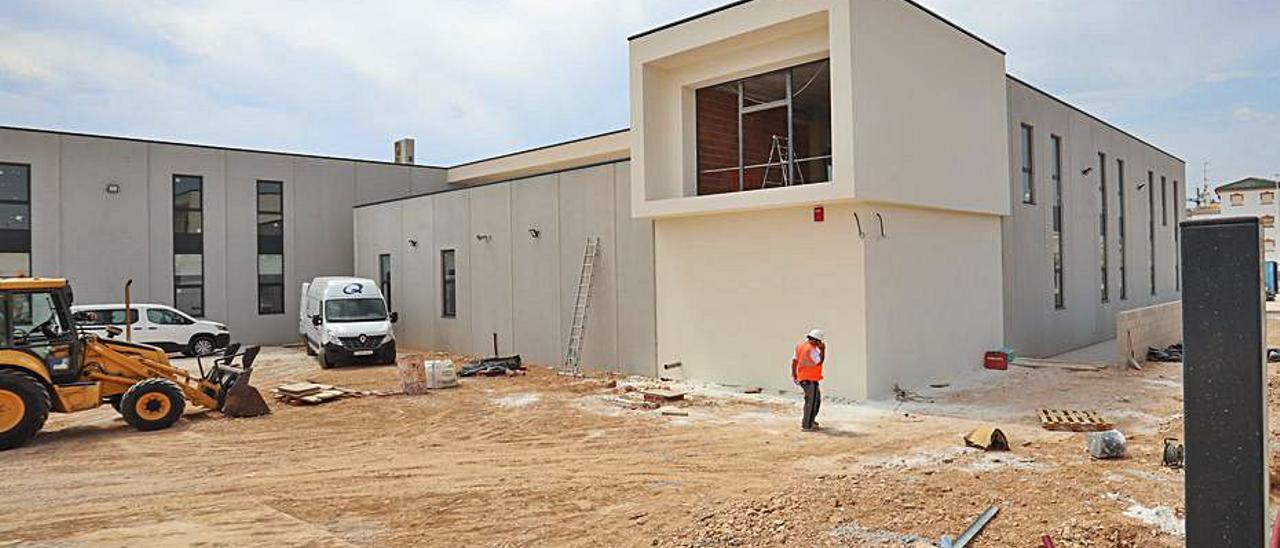 Estado actual de las obras del Centro de Emergencias.   TONY SEVILLA