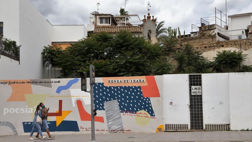 Los vecinos de La Axerquía muestran su malestar por el aumento de zonas de ocio en la Ribera
