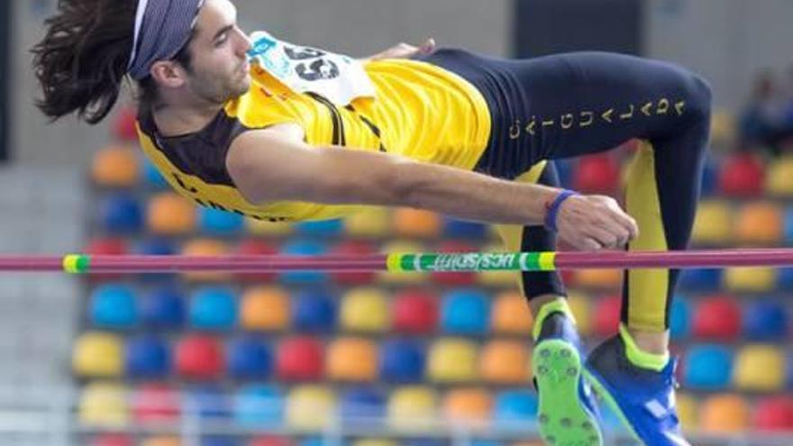 L'atleta del CAI Marc Sánchez, nou rècord local absolut indoor en salt d'alçada