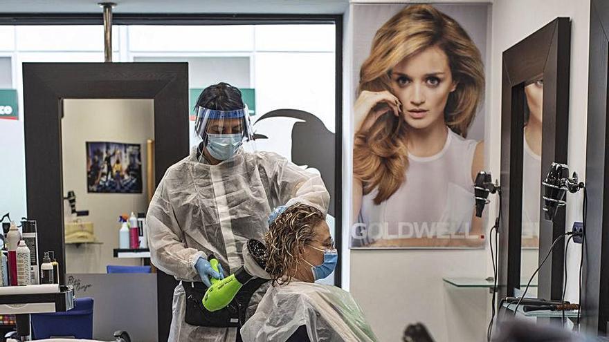 Las peluquerías de Zamora se rebelan ante la delicada situación por el COVID