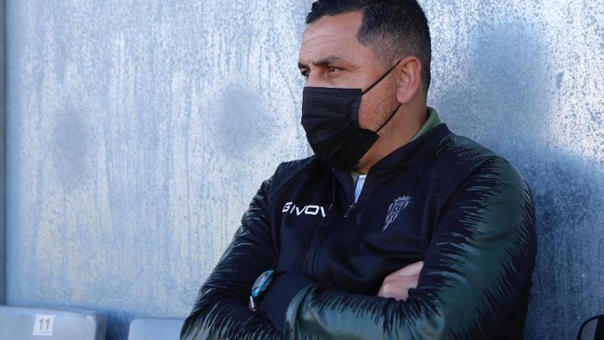 El Córdoba CF destituye a Ariel Montenegro y ficha a Roberto Ramírez