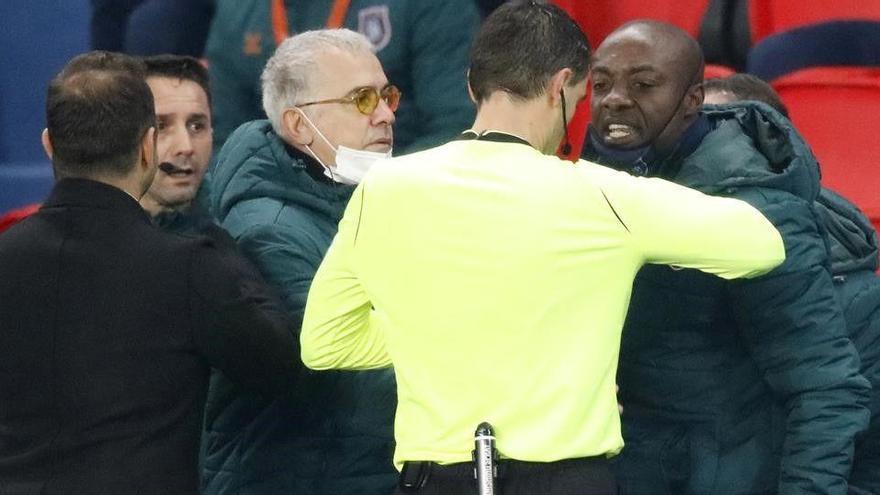 El Estambul se retira del partido contra el PSG por un insulto racista