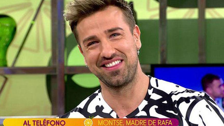 Rafa Mora se estrena como presentador de 'Sálvame' con una lluvia de críticas