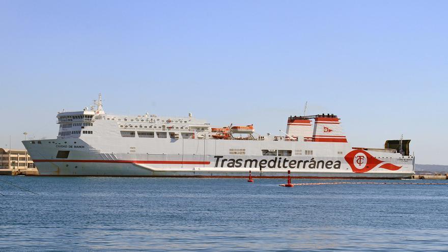 Acuerdo de Trasmediterránea con Grimaldi para venderle buques, terminales y almacenes