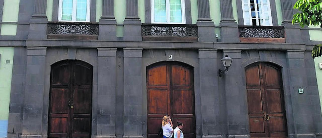 La histórica Casa Manrique de Lara sale a la venta por 5,25 millones de euros