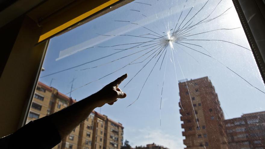 Apedrean la Gran Mezquita de València y dañan dos ventanas blindadas